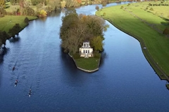 Rowers pass Temple Island near Henley-on-Thames PRESS ASSOCIATION Photo. Picture date: Sunday November 13, 2016. See PA story . Photo credit should read: Steve Parsons/PA Wire